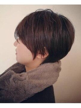 ヘアーワイズフォースタイル(HAIR Y's for style)小顔補正ミニーショート