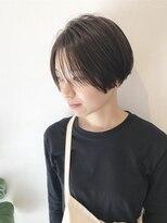 ハンサムショートと刈り上げ女子【丸みショート】