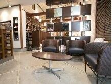 フリークスヘアメイクスタジオ(Freaks hair make studio)の雰囲気(カフェのような雰囲気でくつろげます♪)