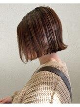 アウリィ(Aulii)大人可愛い艶髪切りっぱなし外ハネボブ