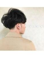ヴァンカウンシル 札幌本店(VAN COUNCIL)毛先に動きをつけたオシャレマッシュスタイル