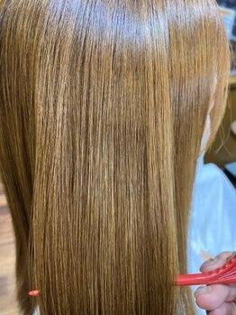 ヘアメイク フェイス(hair make faith)の写真/【酸性縮毛矯正】ノンアルカリだから叶う地毛に近いストレート☆ダメージを抑えた施術で自然で柔らかな髪へ