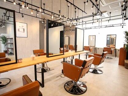 アグ ヘアー ラーク 三島本町タワー店(Agu hair lark)の写真