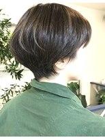 ヘアアンドメイクフリッシュ(HAIR&MAKE FRISCH)コンパクトなショートボブ