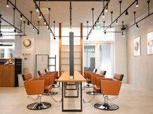 アグ ヘアー ラーク 三島本町タワー店(Agu hair lark)の雰囲気(ゆったり寛げる居心地の良い空間です。)