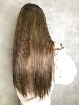 フィーネ 柏(Fi-Ne)の写真/【Fi-Neオリジナル髪質改善】メディアで話題の髪質改善★傷みを気にせずクセを抑え、潤いとツヤを与える♪