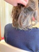 ヘアーメイク リボーン ムーヴ(hair make re:bbon move)インナーカラー×カーキ
