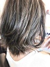 ティアラ Hair beauty Tiaraハイライトグレーカラー