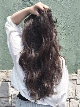 ヘアルシェーヌ ルミエール(hair le chene lumiere)の写真/【白山×横江★】なりたいイメージや雰囲気、骨格などからぴったりの色味を提案!丁寧なカウンセリングも◎