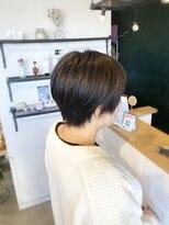 アミィヘアー(Ami Hair)グリーンアッシュカラー×ショートスタイル