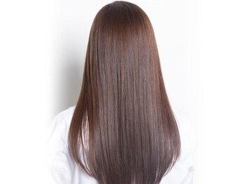プログレス 東久留米店(PROGRESS)の写真/ダメージレスで髪にも優しいナチュラルな仕上がりが自慢!艶と潤いが髪全体に広がるサラツヤ美髪縮毛矯正!