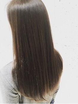 コピーヌ 高田馬場店(Copine)の写真/薬剤にこだわりぬいたコスメ縮毛矯正で気になるダメージも軽減☆トリートメントとの組み合わせで艶髪に♪