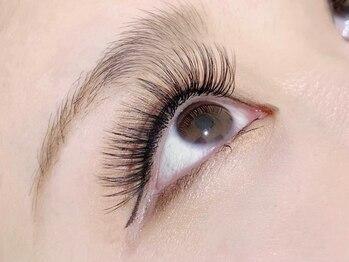 アイラッシュ サロン クリッシー(Chrissie)の写真/当店人気No,1ボリュームラッシュ!0.06mmの極細毛で自まつげに負担も少なく濃密なボリュームeyeになれる♪