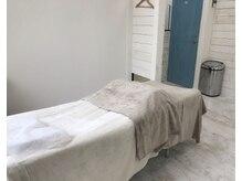 アバレ 久茂地店(AVALE)の雰囲気(半個室で足クッション付きのベッドのリラックス空間♪)