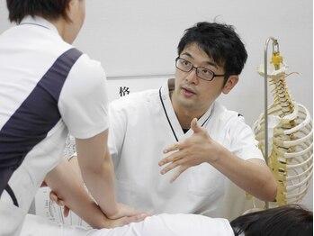 静岡療術整体院/整体学校での指導【加藤先生】