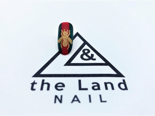 ザ ランド ネイル(the Land Nail)/グッチっぽくもあり △浅井