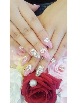 トリーシア(Nail & Beauty Salon Tri-xia)/キラキラストーンネイル
