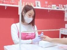 ディオンディオン 垂水店(DionDion)の雰囲気(アクリルボードの設置、マスク・手袋の着用、手指消毒を徹底。)
