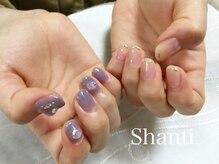 シャンティ ネイルサロン(Shanti nail salon)/シンプル個性的非対称ネイル