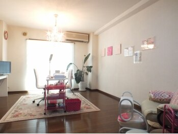 ネイルルーム 彩華(Nail room iroha) (ネイルルーム イロハ)