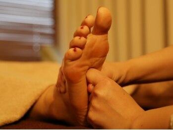 タイ古式ボディケア ラクサ(Laxsa)の写真/毎日頑張っている脚に安らぎタイムを。立ち仕事、デスクワークそれぞれ異なる脚のむくみはお任せください。