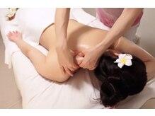 フーレセラピーアンドスウェディッシュマッサージサロン ロータス(Lotus)の雰囲気(アロマ使用のオイルマッサージで首、肩、肩甲骨周りも軽やかに)