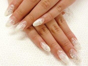 ネイルプラス(Nail Plus)/ホワイトグラデ