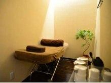 サロンドレオーネ(Salon de Leone)の雰囲気(半個室の店内。低反発のベッドでゆったりと…♪)