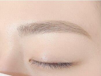 アメリア(Amelia)の写真/《美眉で好印象な目元へ◎》骨格・目の形・トレンドに合わせた美眉をデザイン♪美眉デザインWAX脱毛¥3960