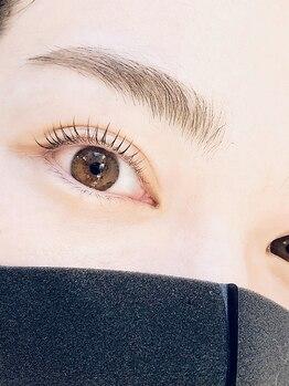 プティ アイビューティ 京橋店(peTiT eyebeauty)の写真/《視線・印象はマスク上の目元で決まる》似合わせまつ毛パーマ+補修ケア付¥5600★人気フラット120本¥5000