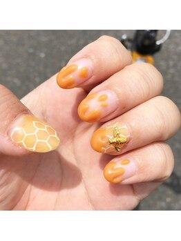 ネイルビー(Nail Bee)/蜂蜜ネイル