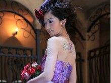ウェディングシーンではドレスや着物の雰囲気に合わせて上品に♪