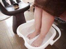 サロン ベール(Belle)の雰囲気(フットバスで足先から体を温めます。)