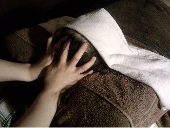 アトム(Bodycare&Relaxation ATOM)の写真/PC,スマホによる目や脳の疲労は全身の疲れに!【ヘッドセラピー】でツボ刺激♪たるみ改善!血行促進にも◎