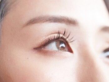 リリィ アイラッシュ(li'li'i eyelash)の写真/年齢や理想に合わせ大人女性に寄り添う上品な目元を演出♪【業界no.1最高級スーパーセーブル100本¥4480】