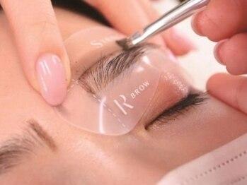 ベス アイラッシュ(Bess eyelash)の写真/【SNSで話題の3Dブロウリフト】眉毛を立ち上げ立体的かつ自然な美眉に♪お肌に優しいワックスで脱毛!