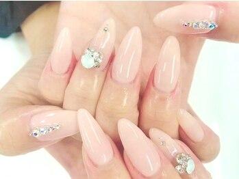 リラネイルサロン(Rela Nail Salon)の写真/爪の形/ちび爪でコンプレックスをお持ちの方も大丈夫♪指を綺麗に見せるフォルムに感動!スカルプで美しく♪