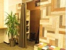 リラクゼーション レスト新川店の雰囲気(オシャレな更衣室を2室完備しています。)