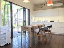 ネイルスタジオ マルア 前橋岩神店(Nail Studio Malua...)の雰囲気(緑に囲まれた空間でおくつろぎください。)