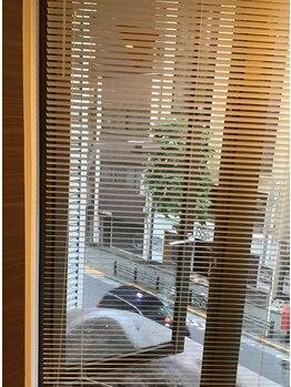 美馬メディカルエステ 小顔ラボ(小顔Labo)/営業時間内はサロン内の窓は開放