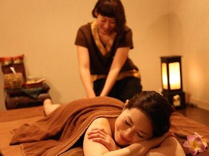 Royal thai massage Baan Hana タイ王宮式セラピー バーンハナ 大阪梅田阪急三番街店