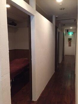 こり重 難波 道頓堀/こり重(KORIJYU)店内