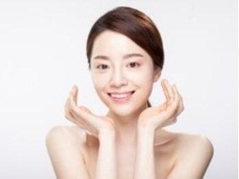 ヘジン(白HEYJIN)の写真/韓国で流行中!【水光ピ-リング+小顔コルギ70分】で皮脂バランスを整えて内側から輝くアイドル小顔に♪