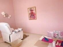 サンテベル(SANTE BELLE)の雰囲気(ピンク×白のかわいい空間で個室でリラックスして頂けます♪)