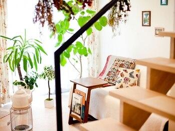 ネイルサロン コルージャ(coluja)の写真/完全個室×プライベートサロン。大きな窓、様々な木々、広々とした開放的な空間でゆったり寛げる雰囲気◎