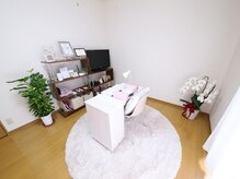 白を基調とした清潔感のある空間☆