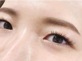 グラマラス 横浜関内店(GLAMOROUS)の写真/黄金比率の美眉でマスク美人に☆お顔の印象を左右する眉毛。なりたいイメージに合わせ眉デザインをご提案♪