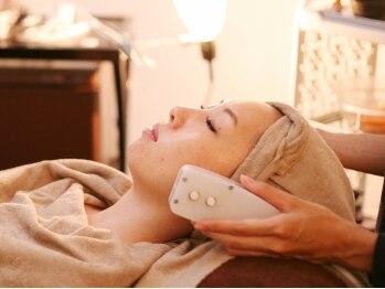 ベルリーゼ(Belleliser)の写真/美容皮膚科提携最新エステ機器導入!エイジングケア成分を肌奥まで届ける!年齢を感じない若々しいお肌へ!