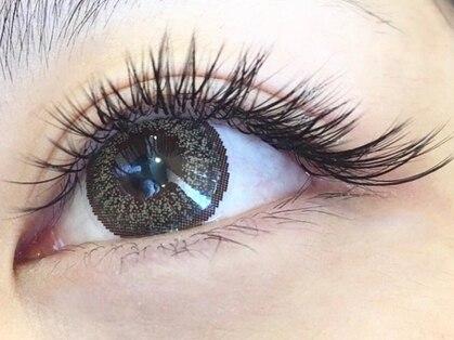 クロノスロウリー アイラッシュ(Chrono-S-lowly eyelash extensions)の写真