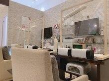 エルネイルアンドブラン アリオ橋本店(Lnail × Blanc)の雰囲気(全席スニーズガード(飛沫防止板)設置済み☆)